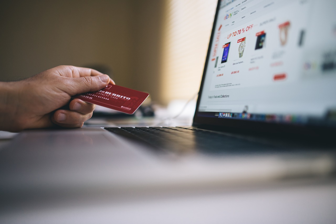 Helpful Credit Card Tricks And Tips To Suit Your Needs